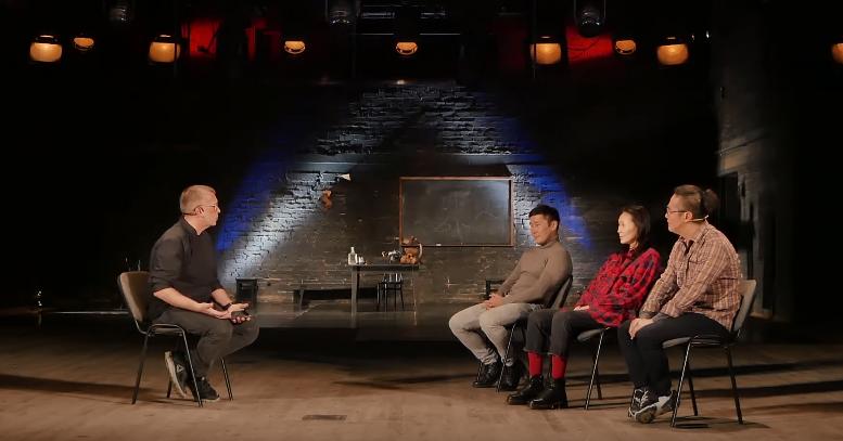 В эфире «АТВ» вышло интервью с создателями спектакля «Полковник пишет»
